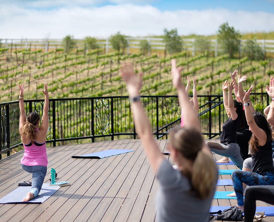 01/02 - Vineyard Yoga Hike